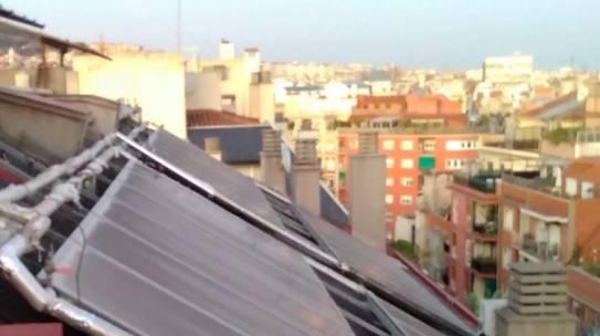 GAE renueva la instalación del edificio que lleva más años con energía solar en Barcelona